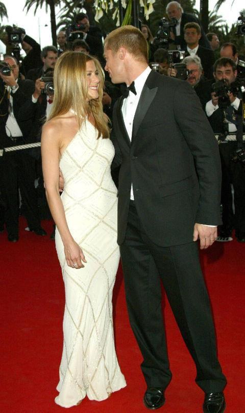 <strong>JENNIFER ANISTON</strong> <BR> Wearing Atelier Versace in 2004.