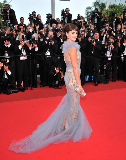 <strong>PENELOPE CRUZ</strong> <BR> Wearing Marchesa in 2011.