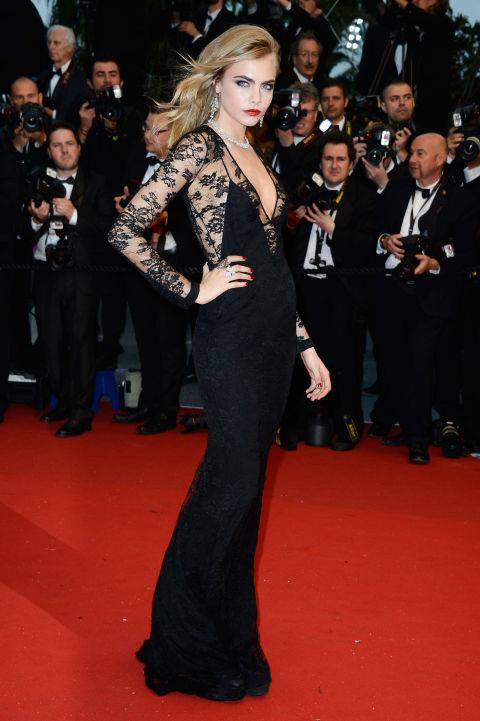 <strong>CARA DELEVINGNE</strong> <BR> Wearing Burberry Prorsum in 2013.