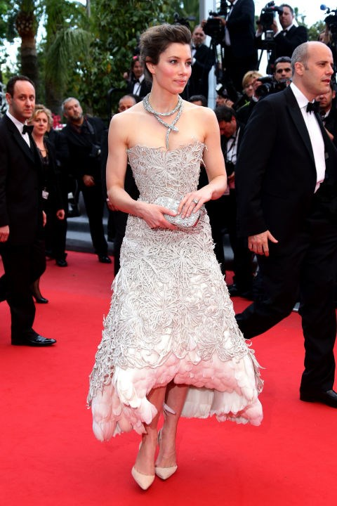<strong>JESSICA BIEL</strong> <BR> Wearing Marchesa in 2013.