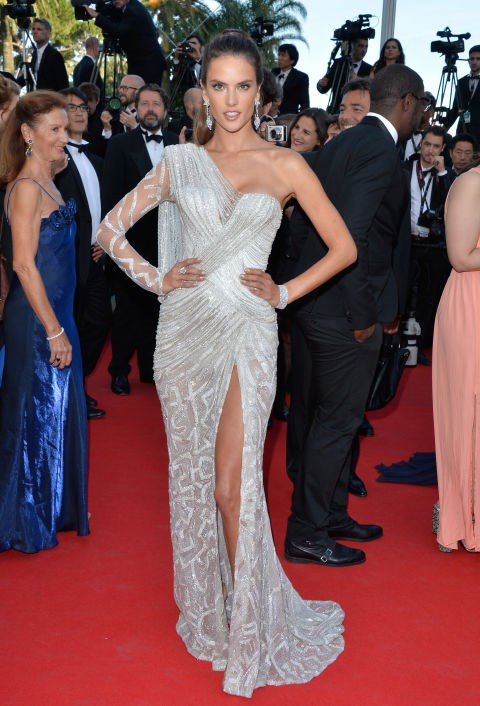 <strong>ALESSANDRA AMBROSIO</strong> <BR> Wearing Atelier Versace in 2014.