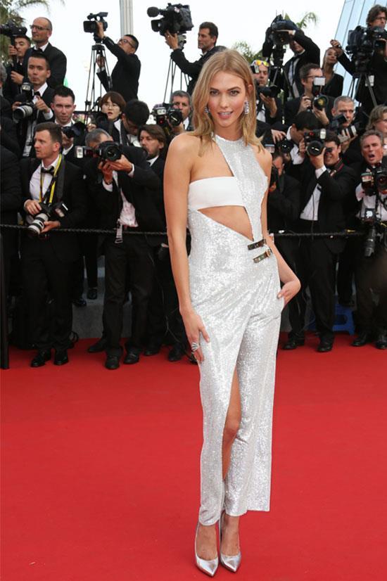 <strong>Karlie Kloss</strong> wearing Atelier Versace