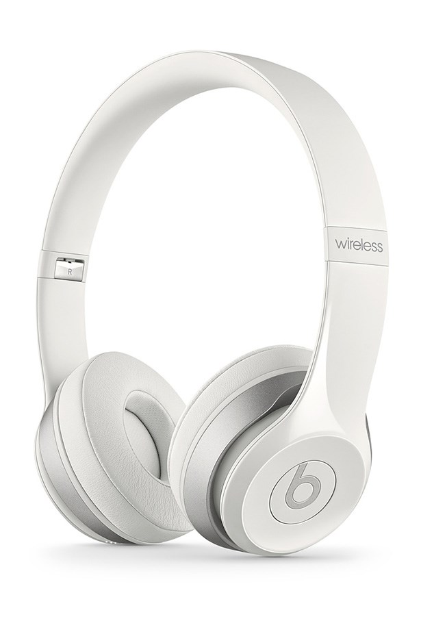 """<a href=""""http://store.apple.com/au/product/MHNH2/beats-by-dr-dre-solo2-wireless-headphones """">Headphones</a>, $399.95, Beats by Dr. Dre, Apple.com/au"""