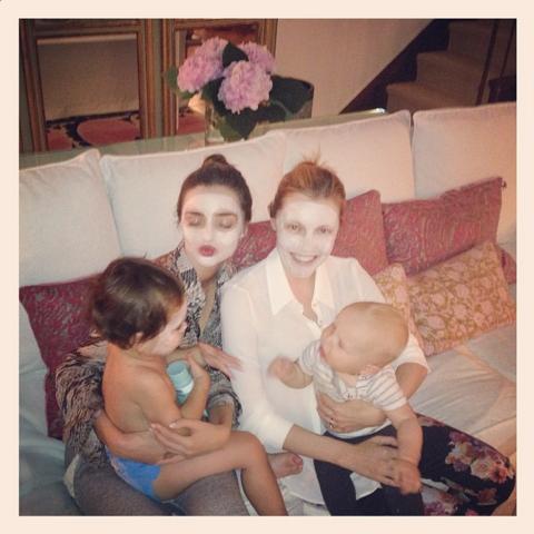 "<strong>MIRANDA KERR</strong> <BR> Mummy mask time with <a href=""https://instagram.com/tammymdickson/"">@tammymdickson</a> ❤ <BR> —<a href=""https://instagram.com/mirandakerr/"">@mirandakerr</a>"