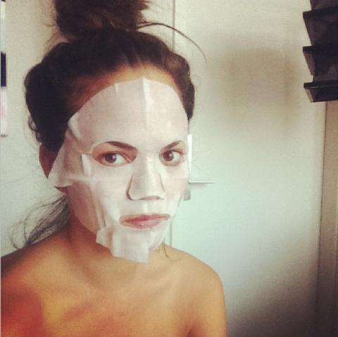 "<strong>CHRISSY TEIGEN</strong> <BR> The only thing better than SK-II face masks are duty free SK-II face masks <BR> —<a href=""https://instagram.com/chrissyteigen/"">@chrissyteigen</a>"