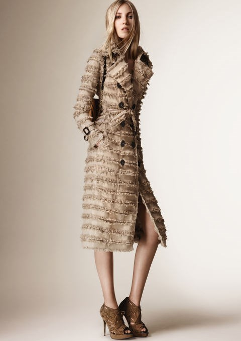 <strong>BURBERRY</strong>