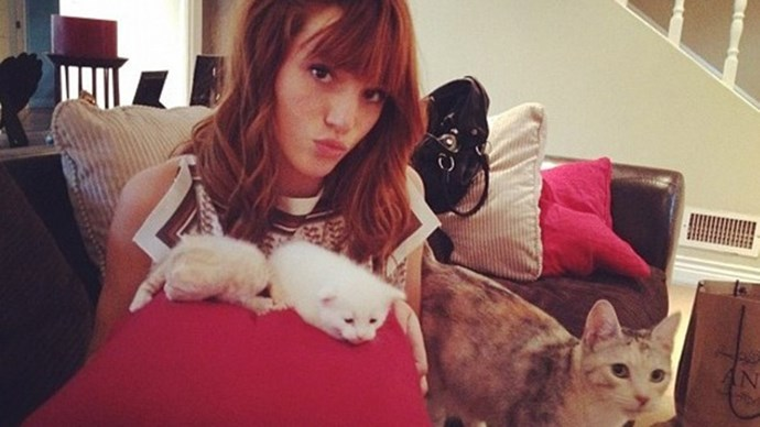 Bella Thorne just hanging out with her pals. Image via Instagram.