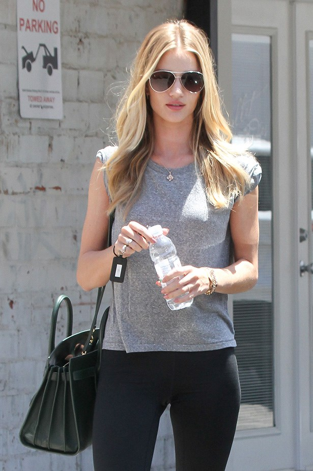 Rosie Huntington-Whiteley keeps it simple and chic.