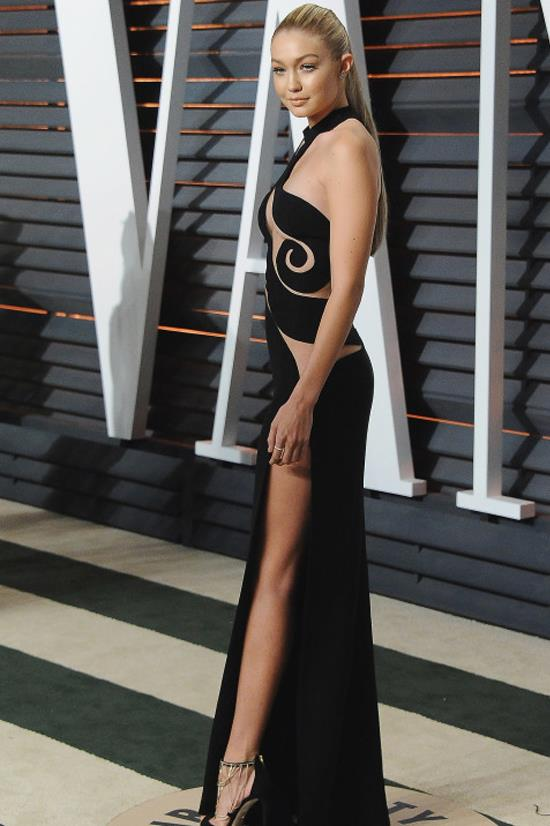 <strong>FEBRUARY 22, 2015</strong> <BR> At the Vanity Fair Oscars Party in Versace