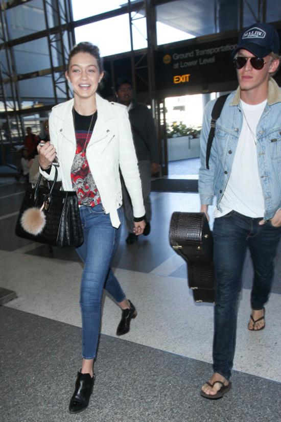 <strong>DECEMBER 27, 2014</strong> <BR> With Cody Simpson at LAX
