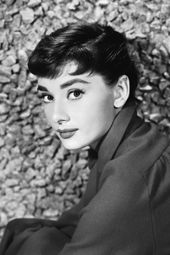 """<strong>AUDREY HEPBURN</strong> <BR> <BR> In a recent interview with Yahoo! Health, Audrey's son Luca Dotti revealed how his mum was passionate about eating and living well. <BR> <BR> Audrey was all about water, and lots of it. Luca believes this came from the way she was brought up. She wasn't a big meat-eater, with 80% of her diet being vegetables. She bought fresh, seasonal produce from their local market in Switzerland. Once a month, Audrey detoxed for one day, eating only fruit, vegetables, yoghurt and drinking a whole of water. This was also a good cure for jet lag. Her all-time favourite meal was pasta with tomato sauce, Luca remembers. <BR> <BR> Check out Luca Dotti's cookbook <a href=""""http://www.harpercollins.com/9780062284709/audrey-at-home"""">""""Audrey at Home""""</a>."""