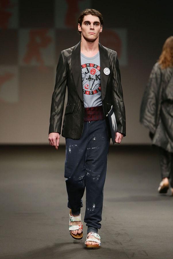RJ Mitte Breaking bad is now a male model