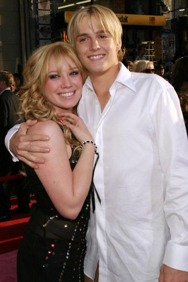 <strong>HILARY DUFF AND AARON CARTER</strong><br> Even better than the love triangle that resulted from this Disney Channel-esque romance (looking at you, Lindsay Lohan)? The fact that Aaron Carter is still talking about it more than 10 years later.