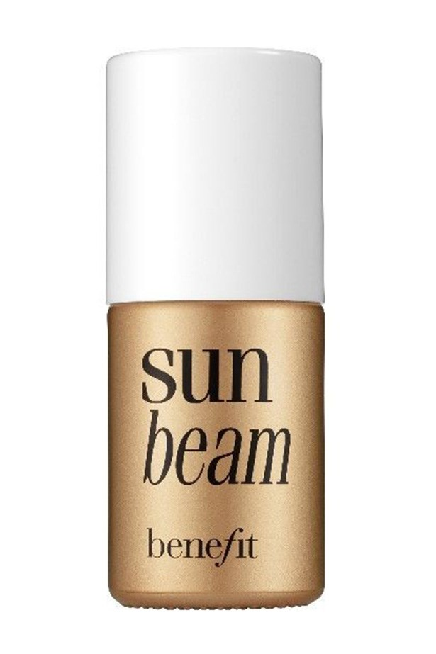 "<strong>Olive complexions </strong> <br> <br> <a href=""http://www.myer.com.au/shop/mystore/benefit-sunbeam"">Sunbeam, $55, Benefit</a>"