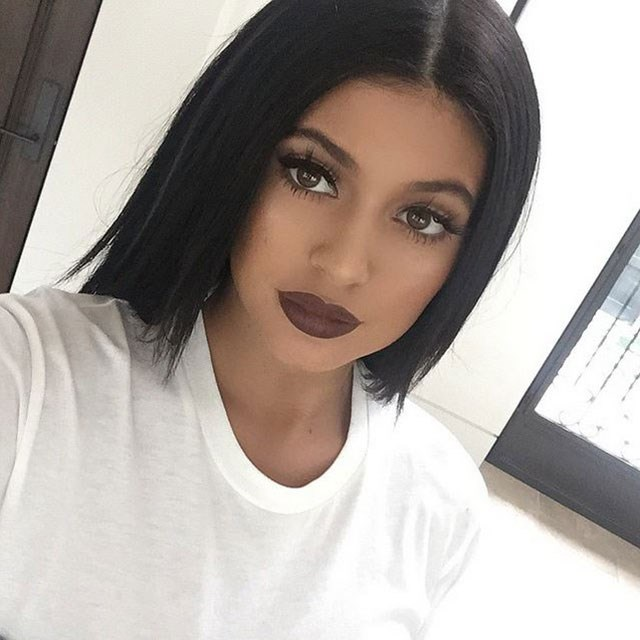<strong>How to nail the 90's lip</strong> <br> <br> Sure she was born in '97 but no one can deny the girl knows how to pull off a matte, nude lip like it's nobody's business