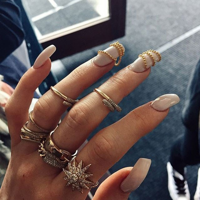 <strong>How to know when to nail art</strong> <br> <br> Plus how to find the right nude nail polish