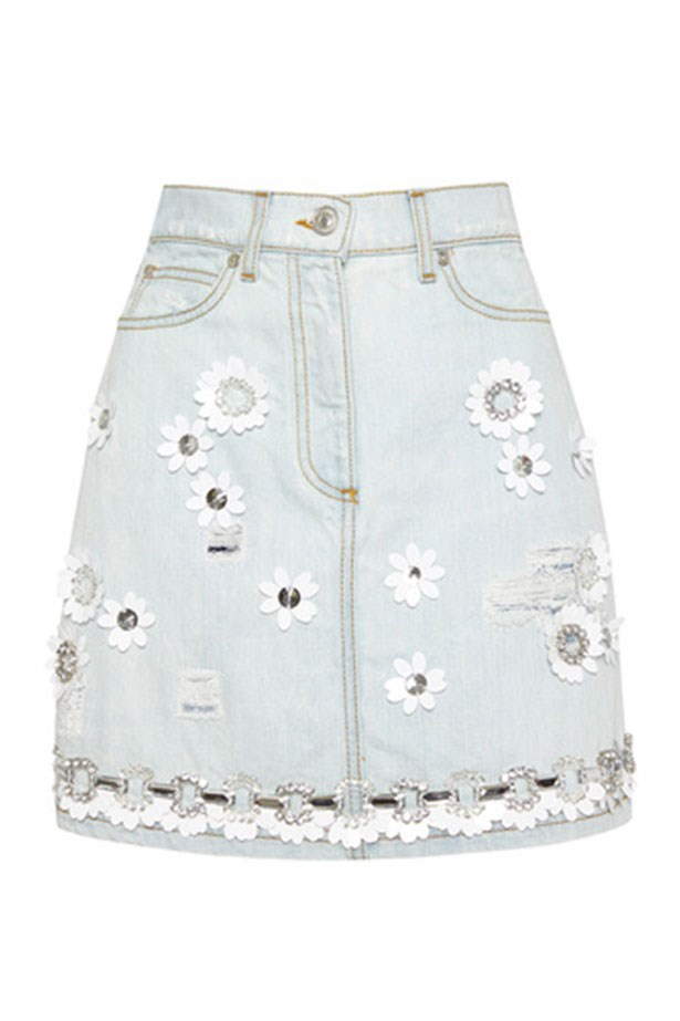"Denim Skirt, $390, MSGM, <a href=""https://www.modaoperandi.com/msgm-r15/denim-skirt""></a>"