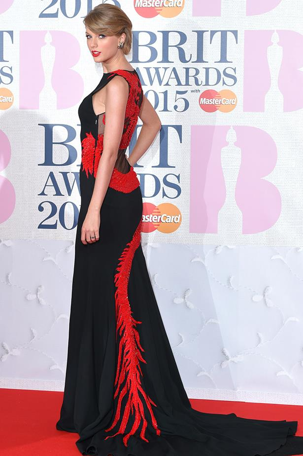 Taylor Swift In Roberto Cavalli Atelier – 2015 BRIT Awards