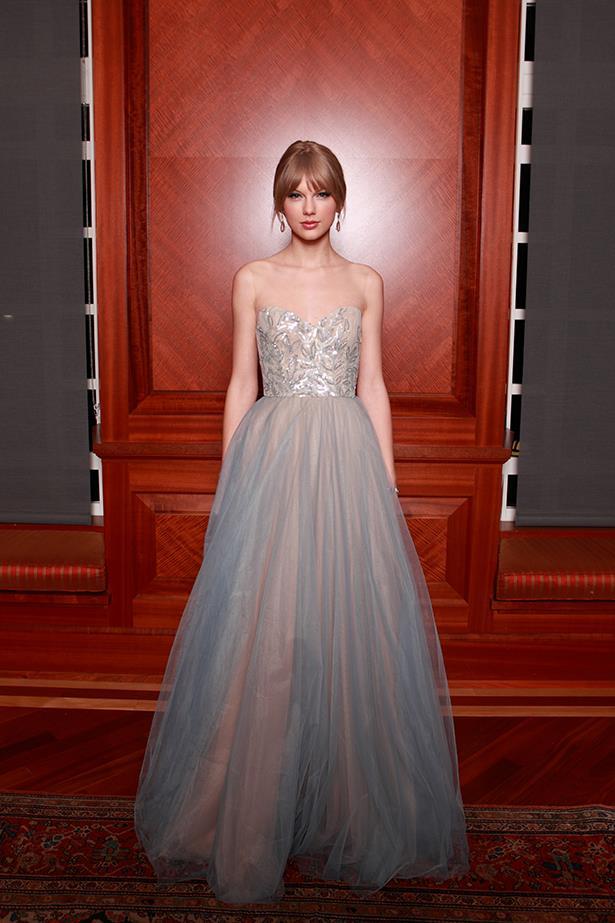 Taylor Swift In Reem Acra – 2011 Nashville Symphony Ball