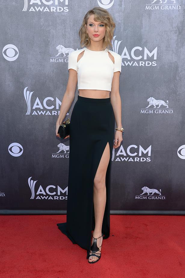 Taylor Swift In J. Mendel – ACM Awards 2014