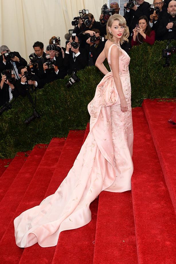 Taylor Swift in Oscar De La Renta – Met Gala 2014