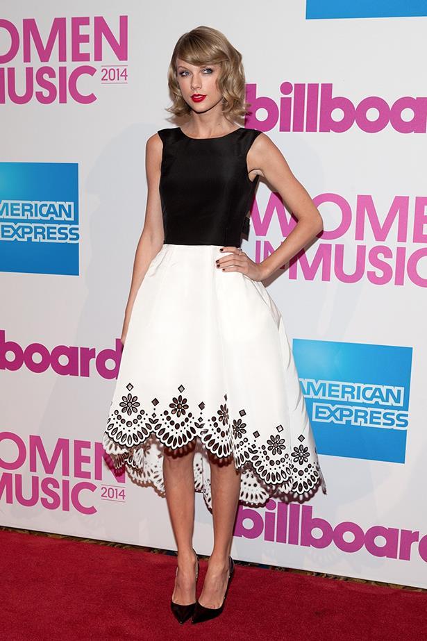 Taylor Swift In Oscar de la Renta – 2014 Billboard Women In Music Luncheon