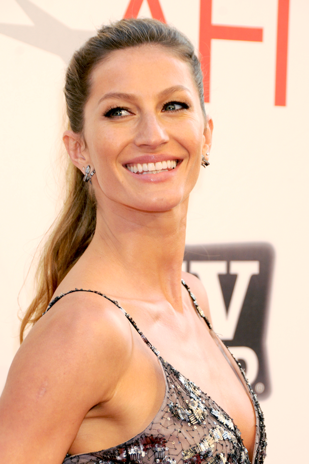 <strong>2011 </strong> <br> <br> Attending the <em>39th AFI Life Achievement Awards </em>