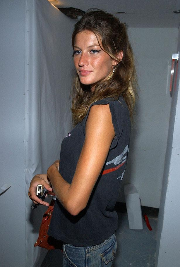 <strong>2002</strong> <br> <br> At the <em>Marc Jacobs</em> fashion show after-party