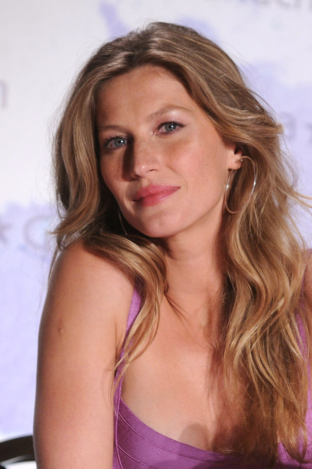 <strong>2010</strong> <br> <br> Promoting her <em>Ipanema </em>footwear collection in Paris