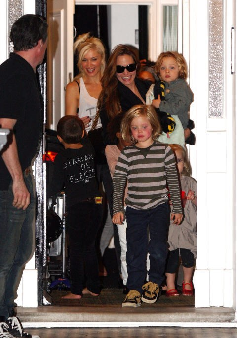 GWEN STEFANI AND ANGELINA JOLIE. Playdate planners-turned-besties.
