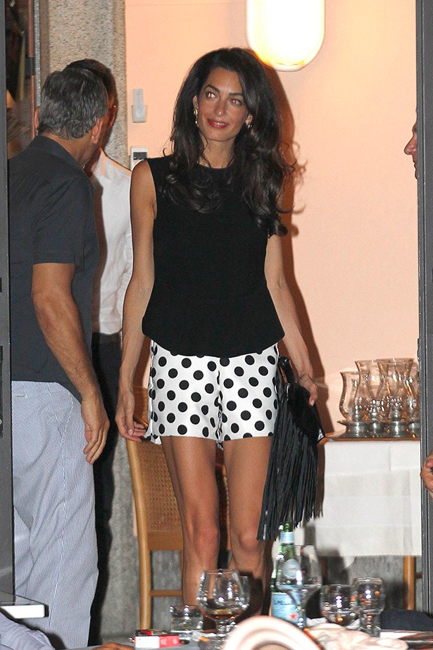 "Could Amal Clooney look anymore relaxed and ""I'm on holidays"" than this? Prolly not. Also, legs for DAYS."