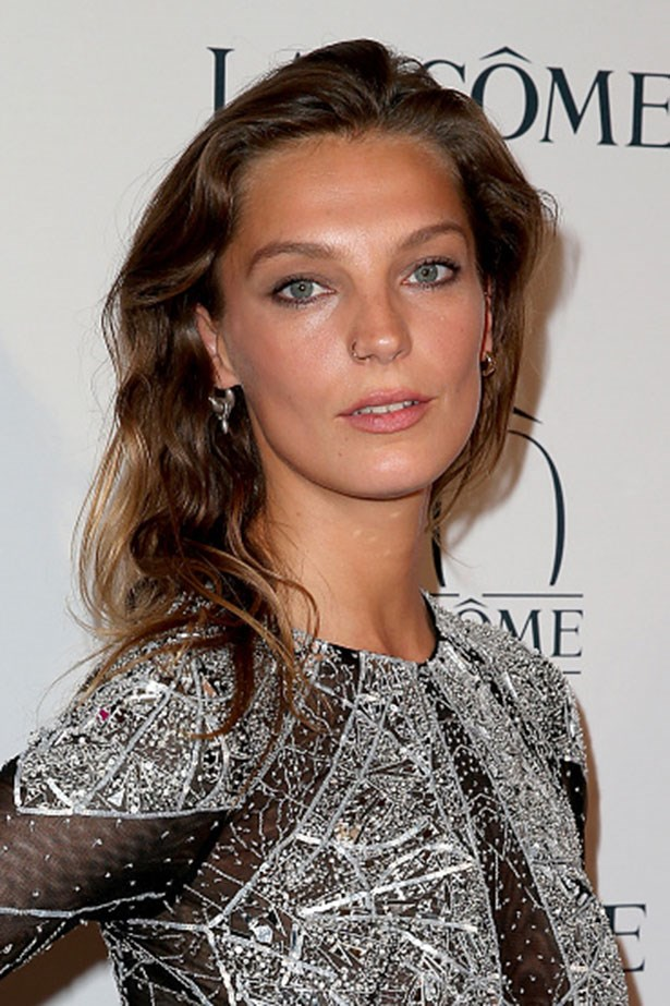 <strong>Daria Werbowy</strong> <br> <br> <em>Natural Waves and sun-kissed skin</em>