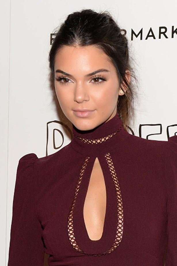 <strong>Kendall Jenner</strong> <br> <br> <em> Fluttery lashes and textured ponytail</em>
