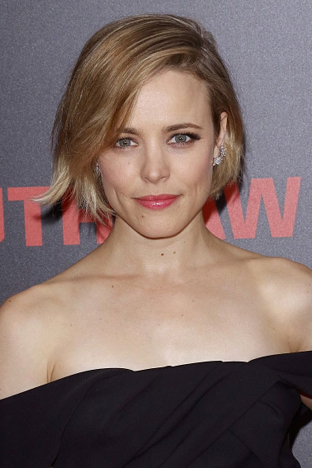 <strong>Rachel Mcadams</strong> <br> <br> <em>Rosy lips with a side swoop</em>