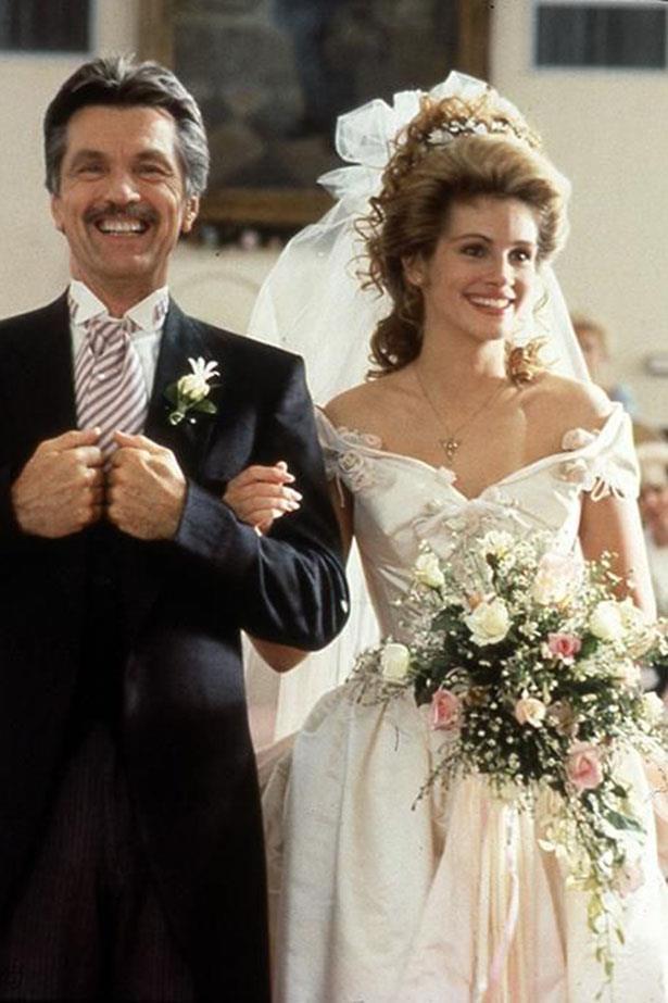 More Julia Roberts wedding magic! This time in Steel Magnolias.