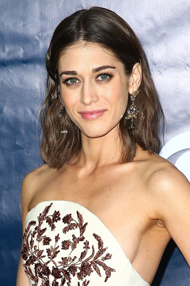 Lizzy Caplan red carpet