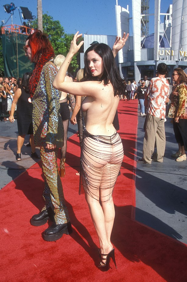 Arguably the most iconic of all the butt dresses belongs to Rose McGowan, who wore this eye-watering spectacle to the MTV awards with then boyfriend, Marilyn Manson in 1998.