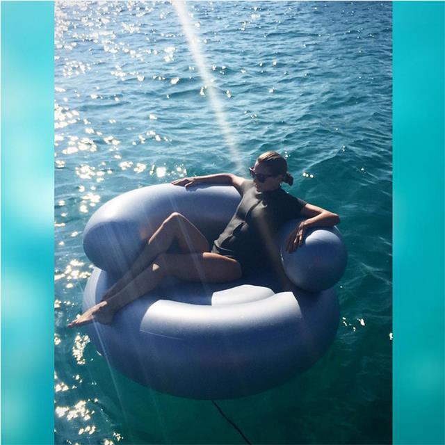 @carlossouza1311 OLÍVIA FLOATING #EIVISSA #BALEARES #tmblue2015 #ibizaBLISS #floating #summertime #spain2015 @oliviapalermo @lisamariefernandez