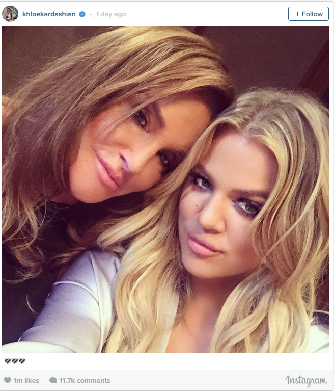 Khloe also took this opportunity to indulge in a solid selfie session.