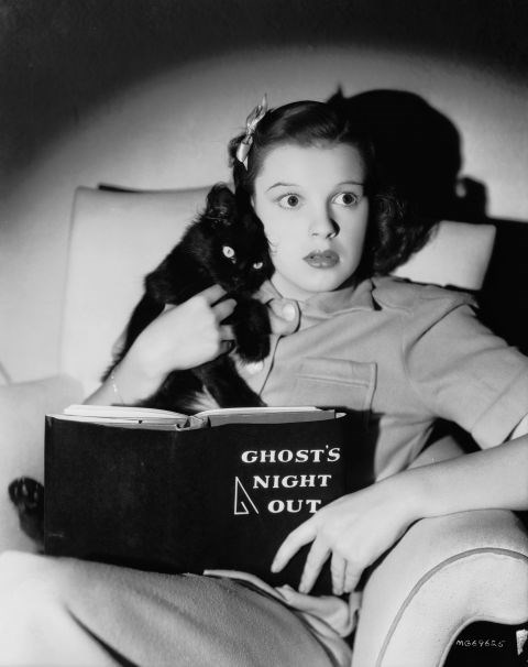 """JUDY GARLAND """"No, Toto, I swear, it's nothing!"""" GETTY"""