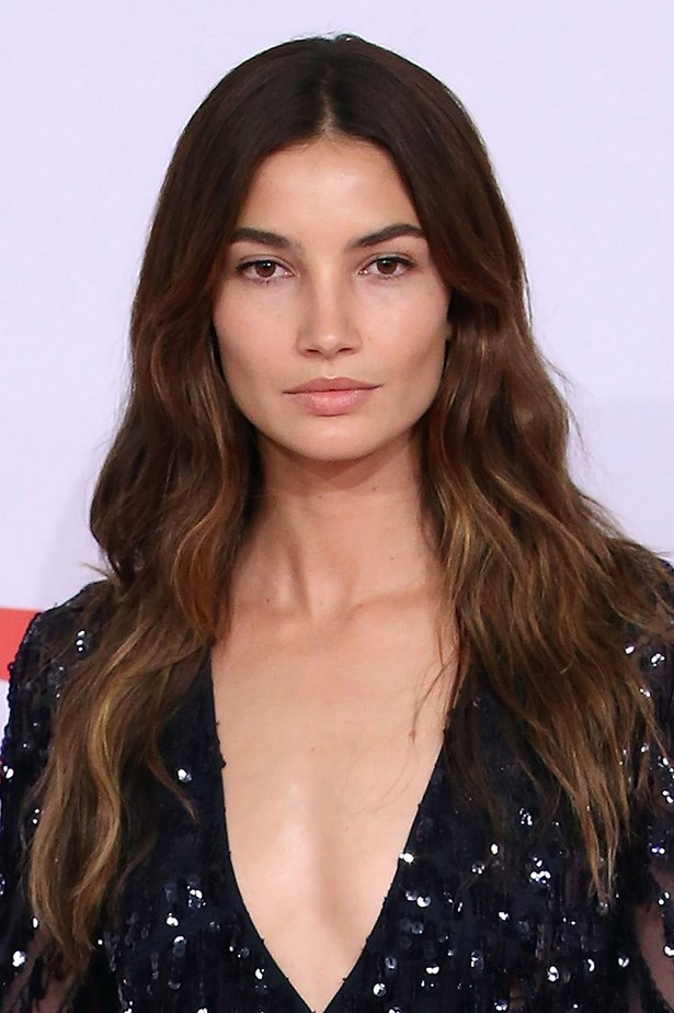 <strong>Lily Aldridge </strong>proves that darker haired girls can join in too with her subtle, volume-enhancing balayage.