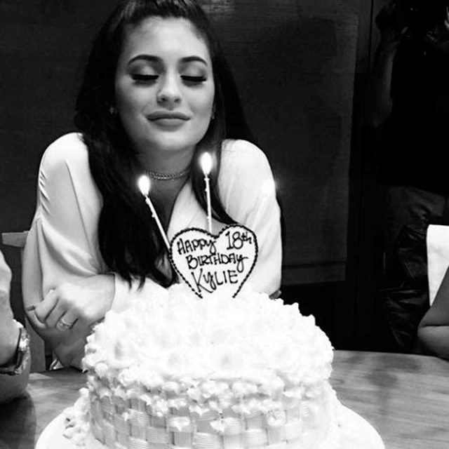 Yes, another Kylie cake - we wouldn't expect anything less than two cakes for this girl.