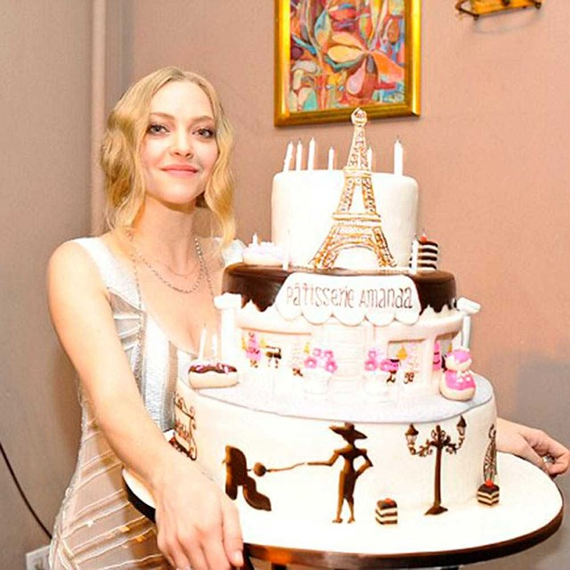 Amanda Seyfried channels her Parisian side with this cake.