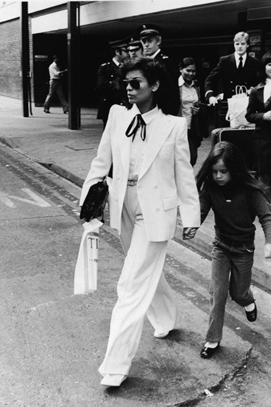 <strong>Bianca Jagger</strong> in 1979 with her daughter Jade.