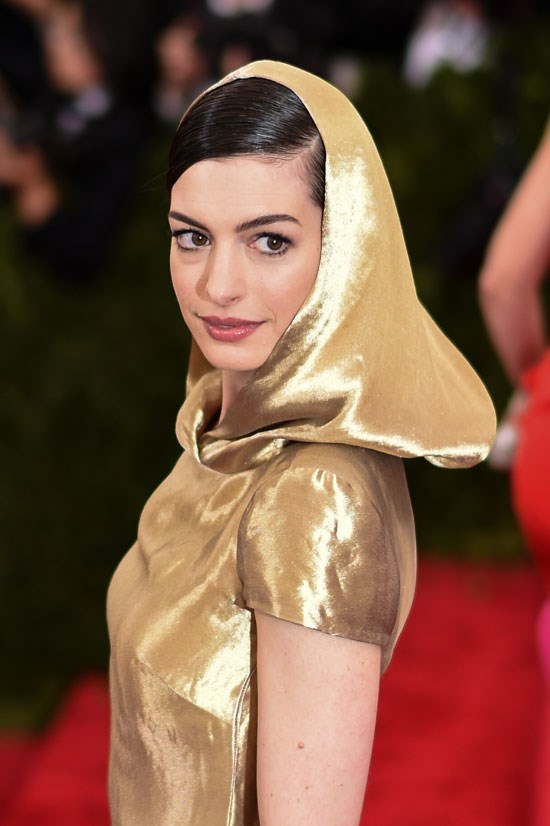 <strong>Anne Hathaway</strong> earned US$12 million.
