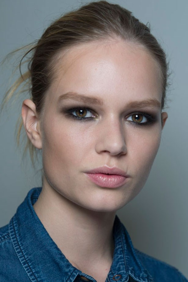 <strong>Tough smokey eye </strong> <br> <br> So you've just mastered the multiple shadow smokey eye? Take it back to basics with this much more modern and cool approach, layering on one single shade building and blending it up from the crease. <br> <br> Seen at: <em>DVF AW14-15</em>