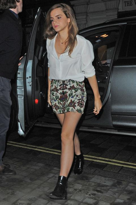 <p><strong>JUNE 20, 2015</strong></p> <p>Out in London in a Saint Laurent blouse.</p>