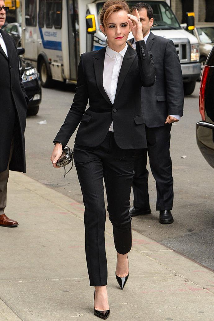 <p><strong>MARCH 25, 2014</strong></p> <p>In a Saint Laurent suit, Christian Louboutin heels, Reese Hudson clutch, and Sabine G rings while visiting the Late Show With David Letterman in New York.</p>