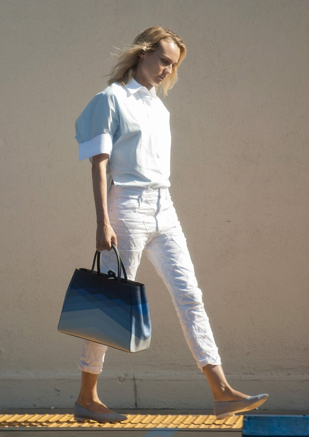Here Diane re-wears the Isabel Marant jeans pictured previously but adds a stiff white shirt to make the look more polished.