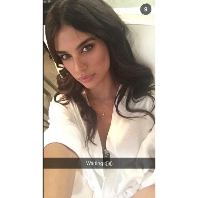 <p>Who: Sara Sampaio</p> <p>What: This Sports Illustrated model is just too attractive not to follow.</p> <p>Handle: @sarasampaio</p>